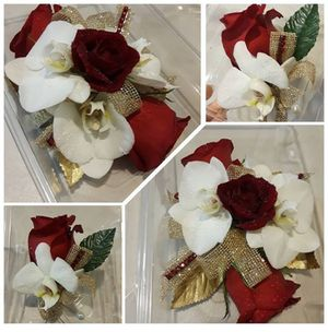boutonniere and corsage 🌹🌼 for Sale in Las Vegas, NV