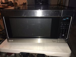 LG MICROWAVE for Sale in Santa Fe Springs, CA