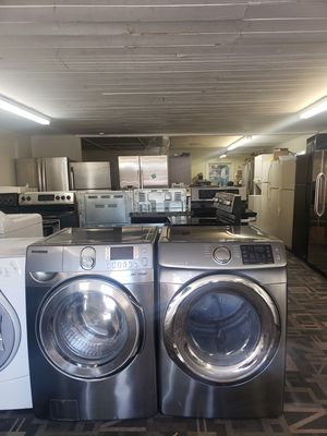 Samsung front load washer and dryer set for Sale in Tampa, FL