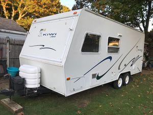 2003 Jayco Kiwi 21C Hybrid Travel Trailer Camper for Sale in Woonsocket, RI