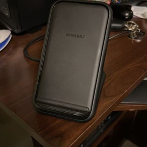 Samsung Wireless Fast Charging Stand for Sale in Hialeah, FL