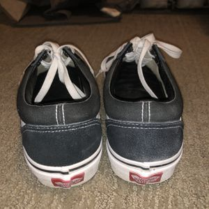 Vans Old Skool Black/White, size US 9 Women's/ US 7.5 Men's. Great condition for Sale in Kirkland, WA