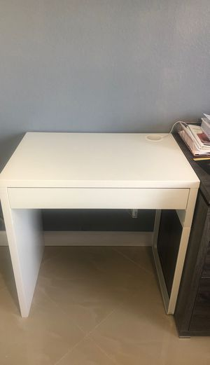 Computer desk for Sale in Lehigh Acres, FL