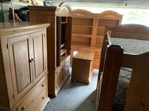 Broyhill Fontana bunk beds and bedroom furniture 5 pieces plus tv and DVD player for Sale in Tarpon Springs, FL