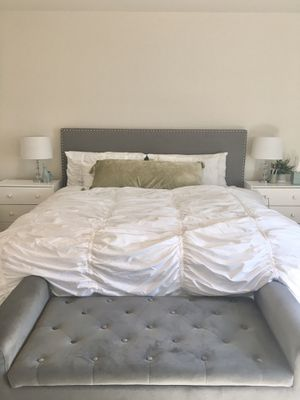 Gray King Size Upholster Bed Frame for Sale in Fresno, CA