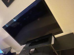 50. Inch tv with stand. $50 pick u orosi for Sale in Orosi, CA