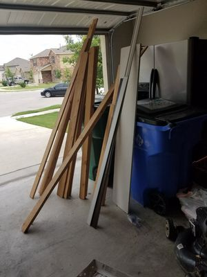 Free wood, various sizes for Sale in Pflugerville, TX