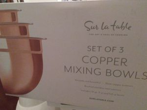 Sur la table Copper Mixing Bowls set of 3 for Sale in Herndon, VA