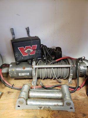 Warn 8000LBS Winch w/remote and roller lead for Sale in Granite Falls, WA
