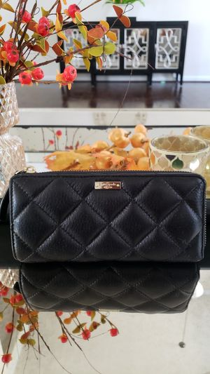Kate Spade quilted leather wallet for Sale in Waldorf, MD