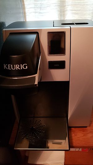 Keurig restaurant style coffee maker with touchscreen for Sale in Cleveland, OH