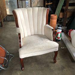 Chair for Sale in Bonney Lake,  WA