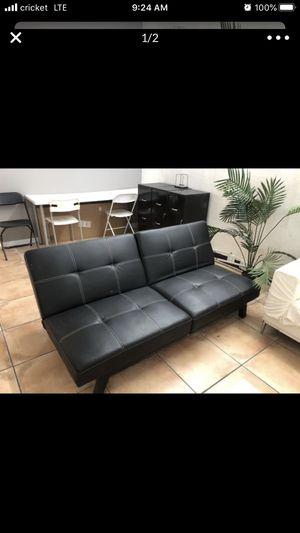 Futon Black 6ft for Sale in Miami, FL