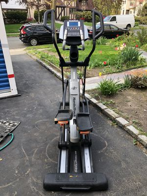 NordicTrack Elliptical Elite 10.7 for Sale in GREAT NCK PLZ, NY