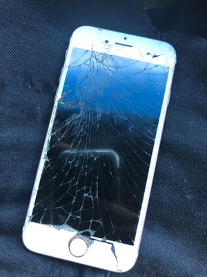 iphone 6s Unlocked (Sprint) for Sale in Hillcrest Heights, MD