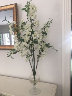 Silk floral arrangement for Sale in Rumson,  NJ