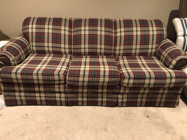 Furniture/Bassett sleeper/sofa, chair, end tables, cocktail table and lamps