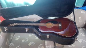 Fender guitar like new w hard case for Sale in Missoula, MT