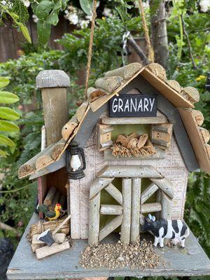Birdhouse/ casita de pájaro for Sale in Los Banos, CA