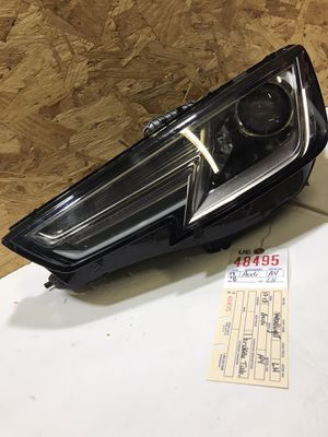 2017 2018 AUDI A4 LEFT SIDE HEADLIGHT OEM 8W0 941 005 B for Sale in Lynwood, CA