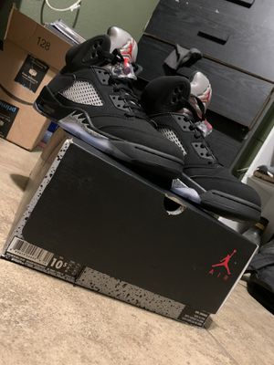 Jordan 5 retro black metallic 10.5 (2016) for Sale in Bloomington, CA