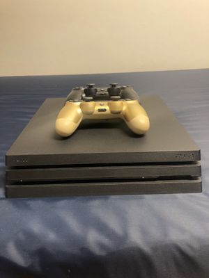 PS4 Pro 1TB for Sale in Chicago, IL