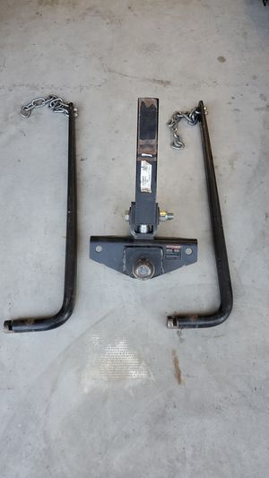 Travel trailer weight distribution hitch. By Curt for Sale in Hollister, CA