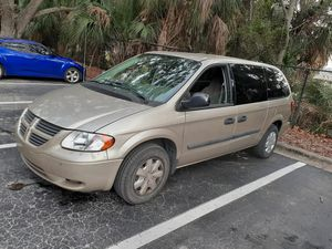 Cheap, dependable and reliable 2004 Dodge Caravan for Sale in Tampa, FL