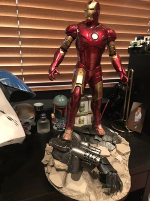 Sideshow Collectibles hot toys iron man maquette for Sale in Rialto, CA