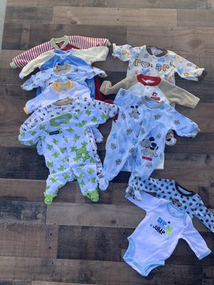FREE Delivery! Lot of 11 Newborn - 3 months Carters Boys sleepers for Sale in Fresno, CA