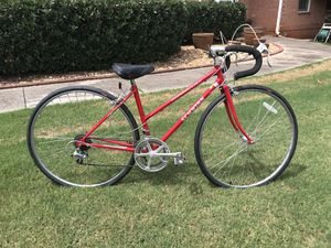 Lady's Schwinn Road Bike for Sale in Marietta, GA