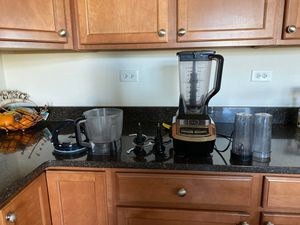 Professional Professional Plus Kitchen System for Sale in Hampshire, IL