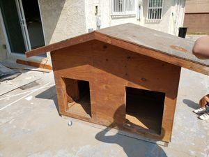 Dog house for Sale in Hawthorne, CA
