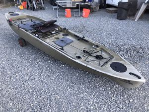 Ascend FS128T Fishing Kayak w/ Paddle & Trolling Motor for Sale in Chino, CA