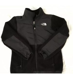 Size 14 16 Girl North Face Denali Fleece jacket coat for Sale in Evesham Township, NJ