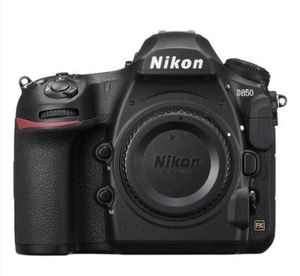 Nikon D850 Camera and 28-300mm , 200-500mm lens for Sale in Fullerton, CA