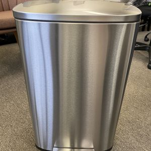 Brand new Kitchen Trash Can With Lid Step Trash Bin 13 Gallon / 50 Liter-Stainless Steel for Sale in Atlanta, GA