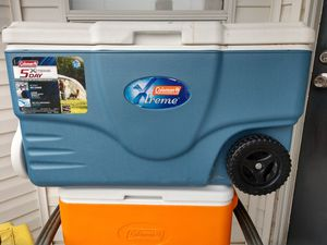 Coleman 62 quart Xtreme 5 day cooler for Sale in Sevierville, TN