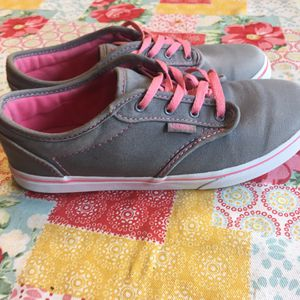 Vans sneakers Atwood size 4 Missy for Sale in Greenville, SC