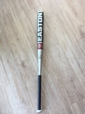 Softball bat for Sale in Chicago, IL