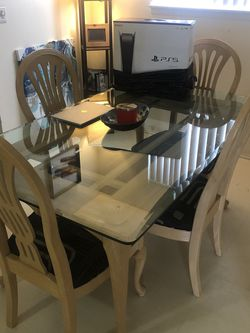 Dining Room Table for Sale in Detroit,  MI