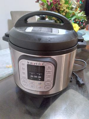 6qt instant pot for Sale in Dallas, TX