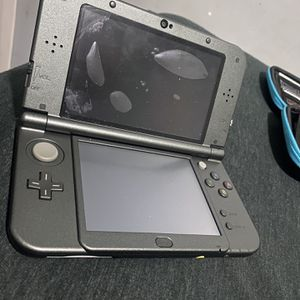 Nintendo 3DS XL / 8 GAMES & CASE for Sale in River Forest, IL