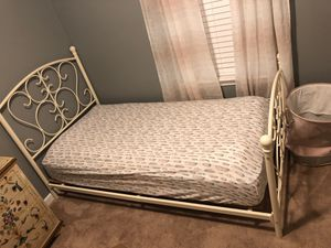 Twin size bed with mattress for Sale in Greer, SC