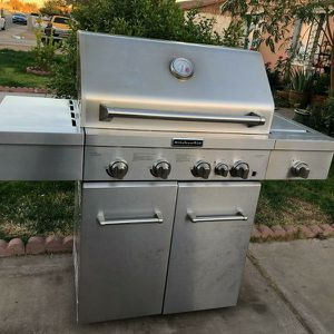 Kitchen Aid GRILL ASAdOR BBQ for Sale in Phoenix, AZ
