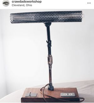 Desk lamp for Sale in Cleveland, OH
