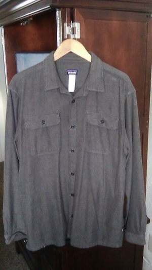 Patagonia Men's Long Sleeve Size XL for Sale in Beaumont, CA