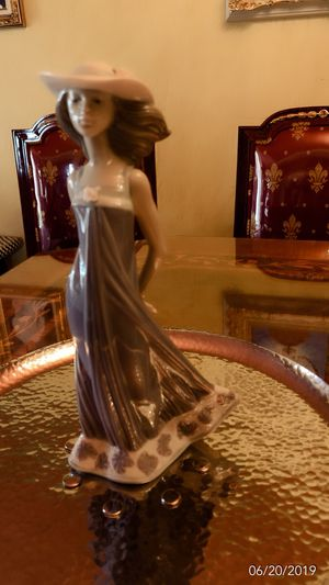 Lladro Figurine Collection statuette 5644 original item for Sale in Pico Rivera, CA