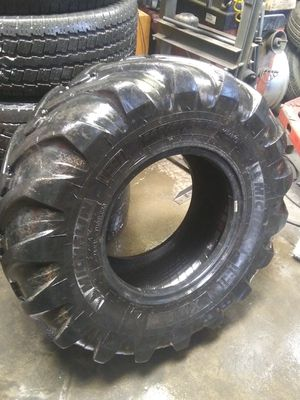 2 MICHELLIN TRACTOR TIRES 340/80R18 for Sale in San Diego, CA
