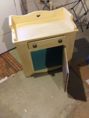 Small kitchen table for Sale in Woodbury, NJ